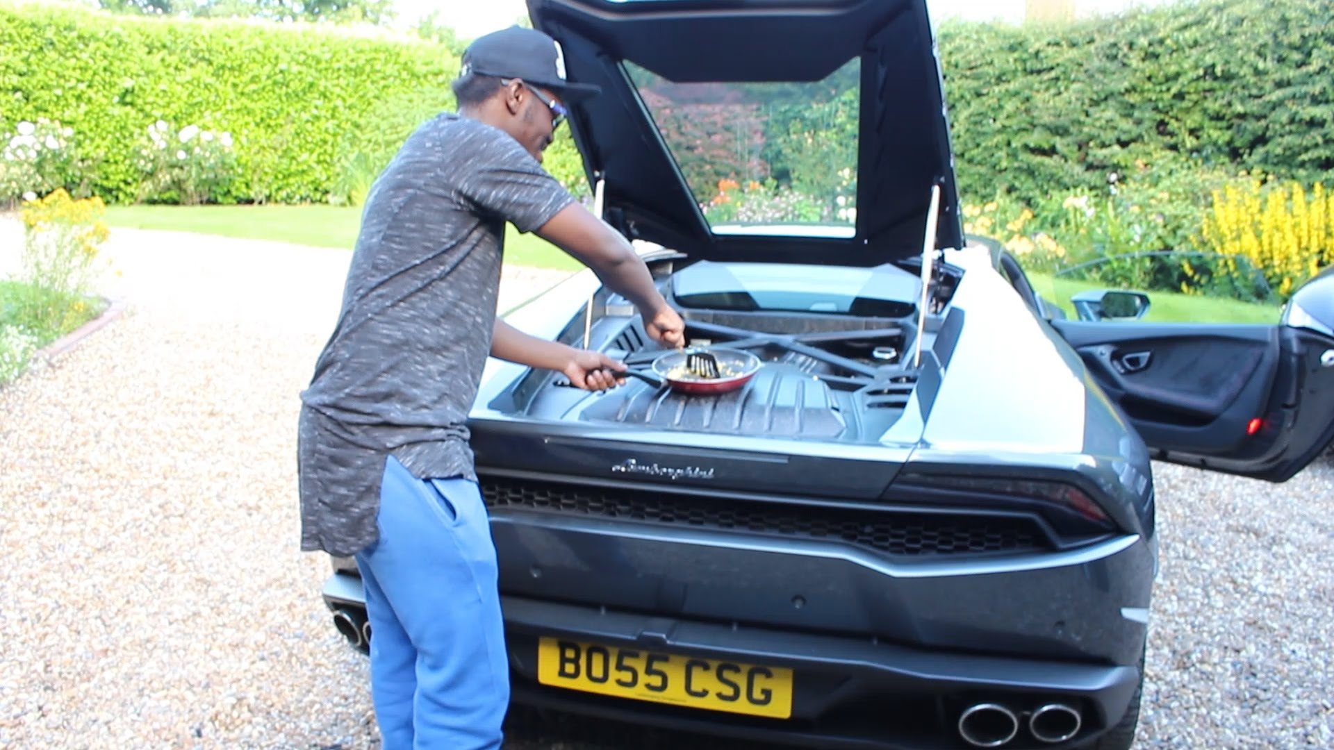 The Lamborghini Huracan Gets So Hot You Can Cook An Egg On It