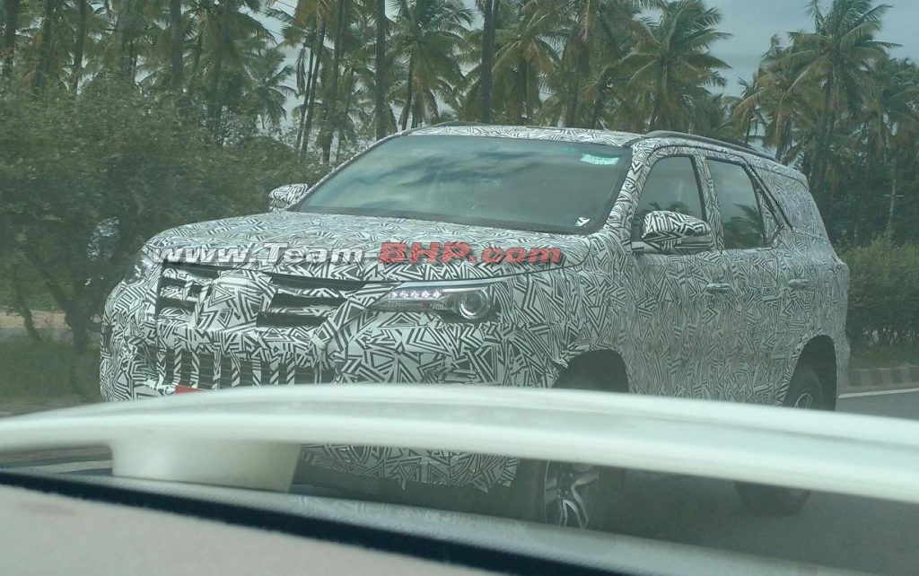 2016 Toyota Fortuner spy shot
