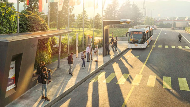 Geneva's new 'flash-charge' electric buses refuel in 15 seconds