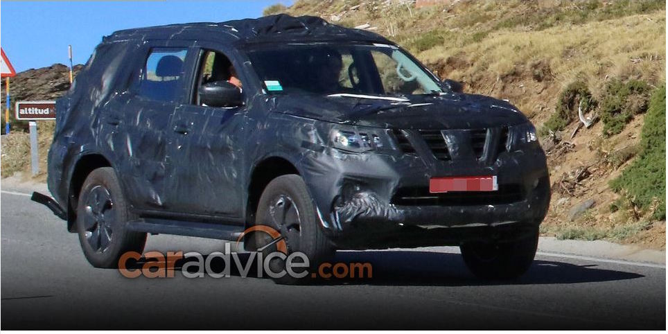 Nissan Navara-based SUV spy shot