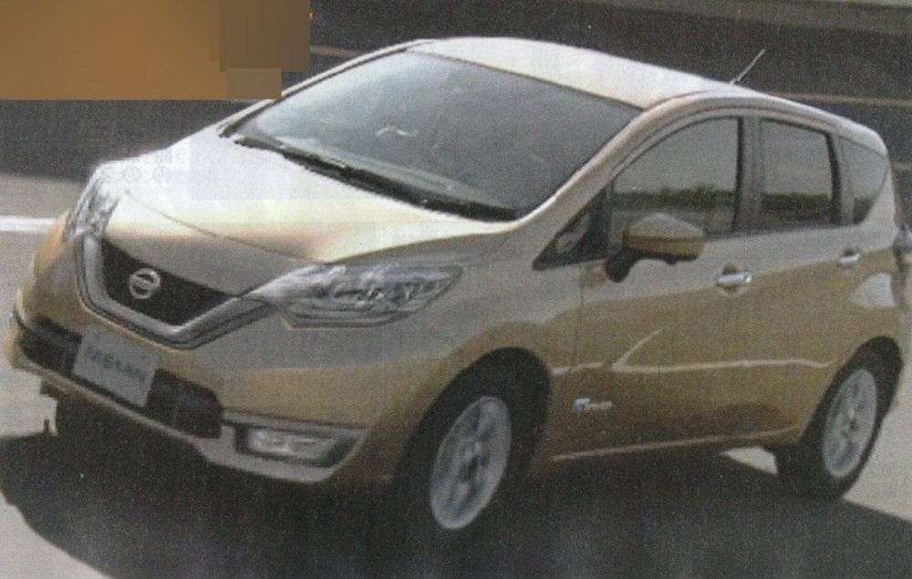 The Nissan Note Hybrid also shows the 2017 Nissan Note (facelift)'s front fascia