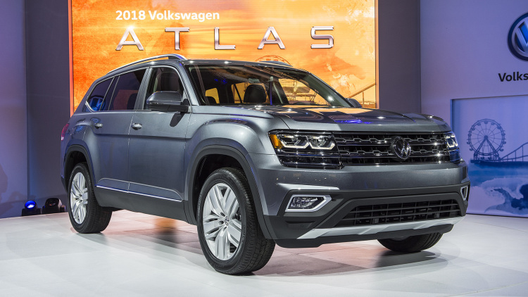 the 2018 volkswagen atlas three row crossover is here. Black Bedroom Furniture Sets. Home Design Ideas