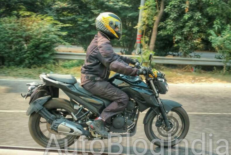 Yamaha MT-03 spy shot