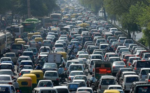 Paris, Mexico City will lead diesel-vehicle ban by 2025