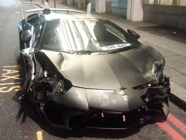 Student Smashes Lamborghini Aventador SV In London Street Race
