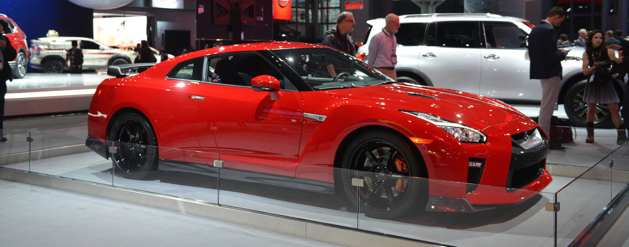 Nissan GTR Track Edition Appears Behind Barriers In New York - Car show barriers
