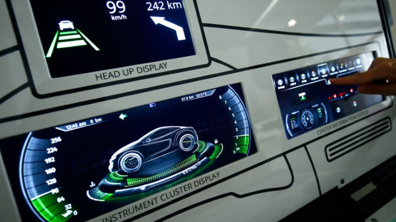 Dysfunctional dashboards: Auto suppliers competing to clean up the cockpit