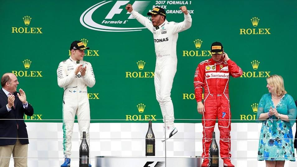Lewis Hamilton wins British GP, slashes Vettel's lead to 1 point