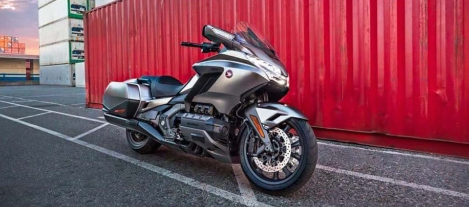 Leaked 2018 Honda Gold Wing show off new suspension, hints at DCT