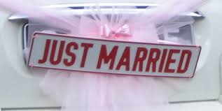 'Just Married' Ou 'just Booked'?