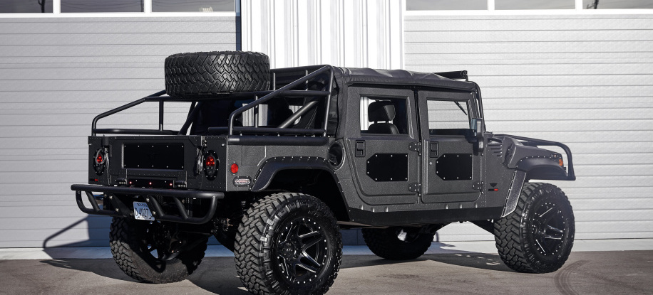 Launch Edition H1 pushes the military Hummer upscale