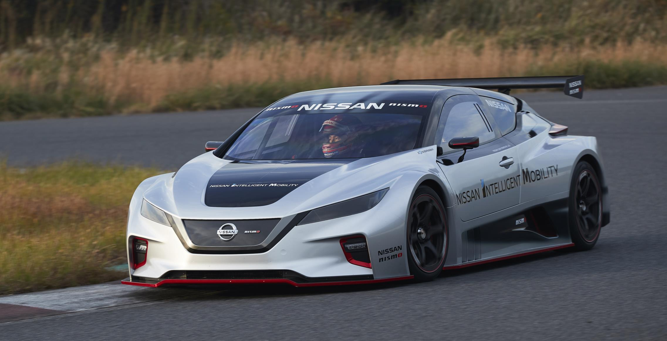 Nissan Debuts New, More Powerful LEAF Nismo RC