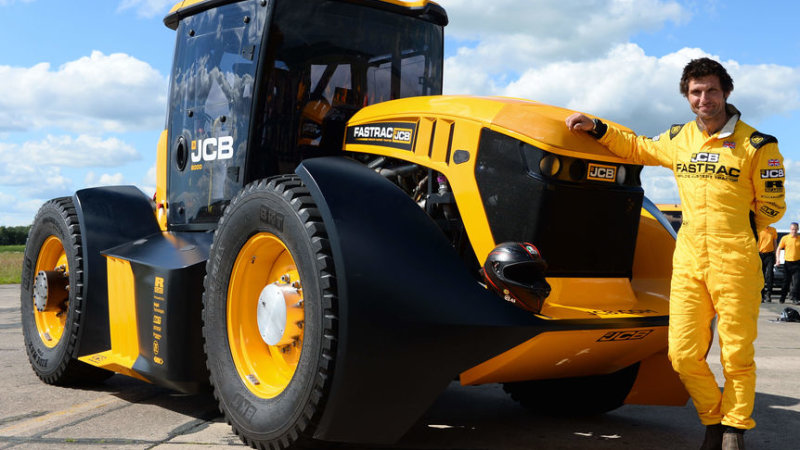 Guy Martin and JCB set new tractor speed record at 166.7 kmh