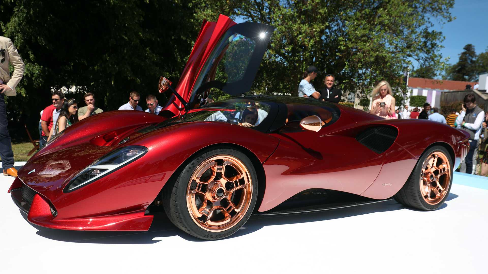 De Tomaso Back In Business With Impossibly Gorgeous P72