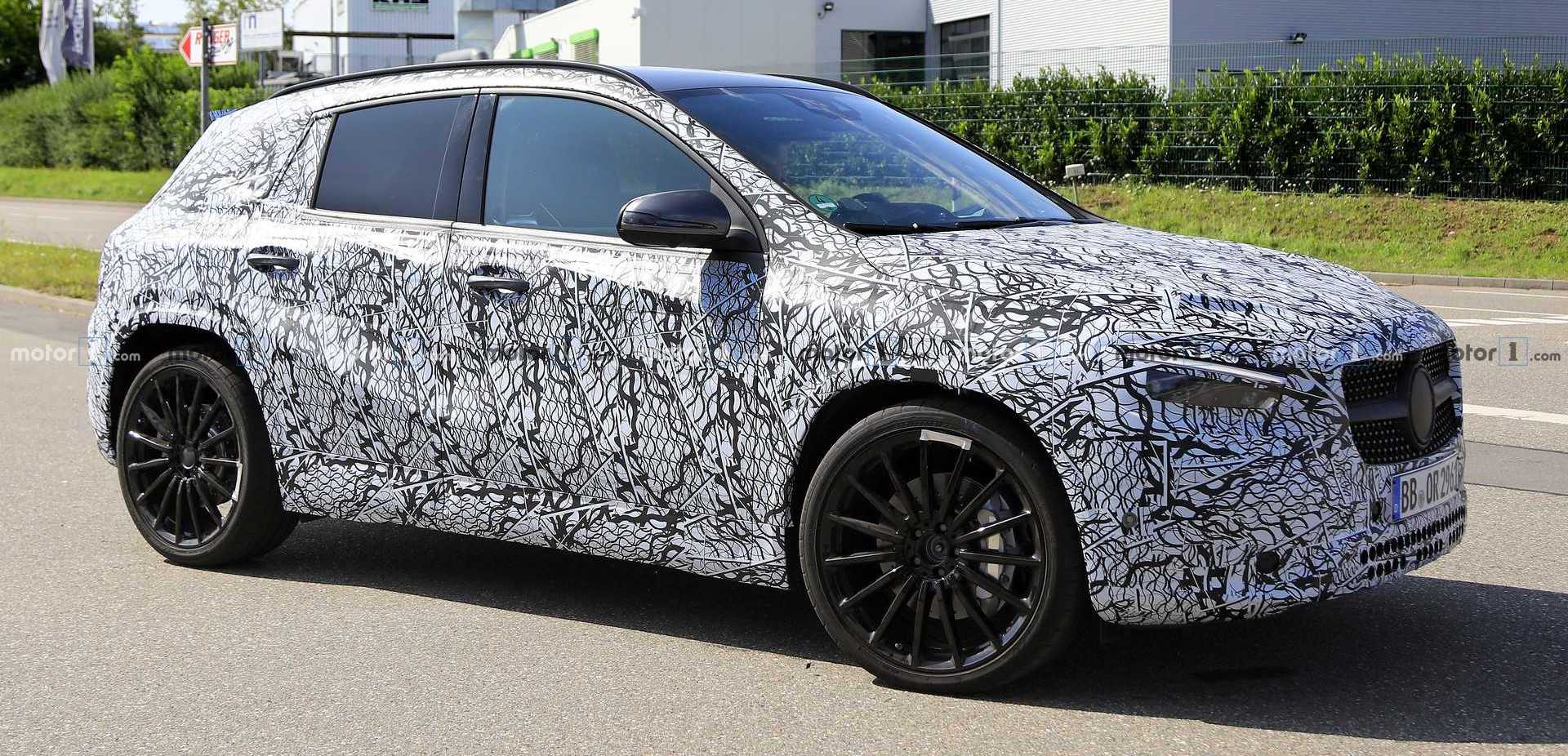 2021 Mercedes-AMG GLA 35, GLA 45 Spied For The First Time