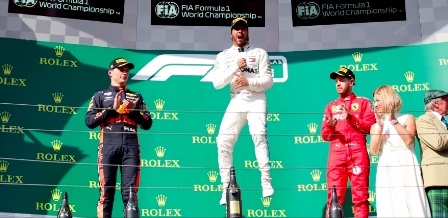 Hamilton overtakes Verstappen late in Hungarian Grand Prix