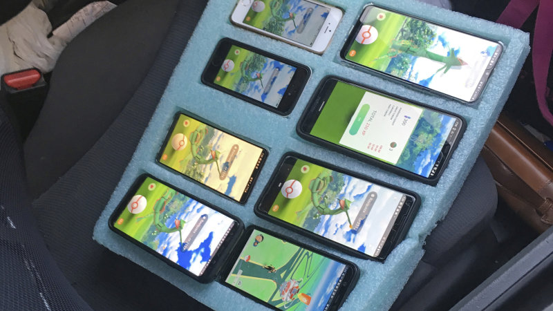 United States: Trooper finds driver playing Pokemon Go on eight phones
