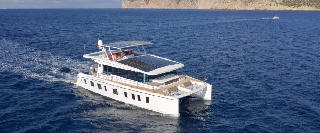 Luxurious Silent Yachts 55 claims pure solar power and zero NVH