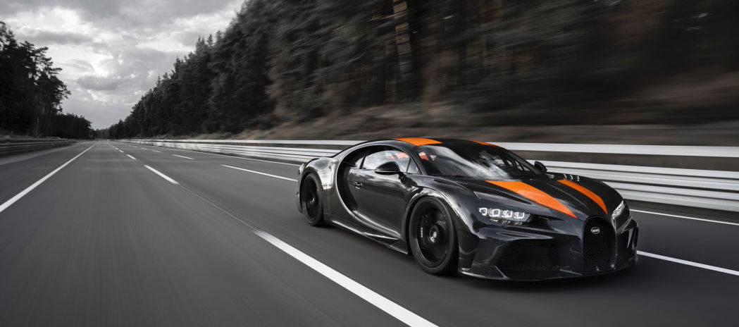 Bugatti breaks the 300 mph (482 km/h) barrier in a longtail Chiron prototype