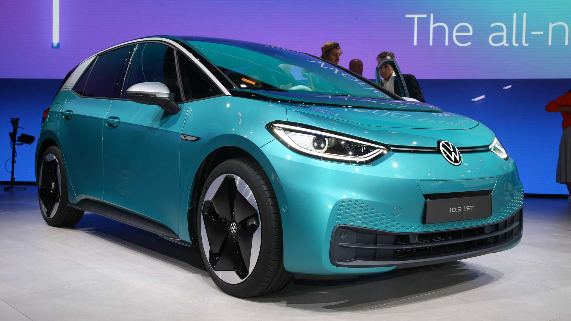 VW ID.3 Debuts As People's Electric Car With Up To 550 km Range