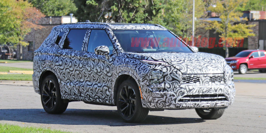 Next-generation Mitsubishi Outlander spied for the first time