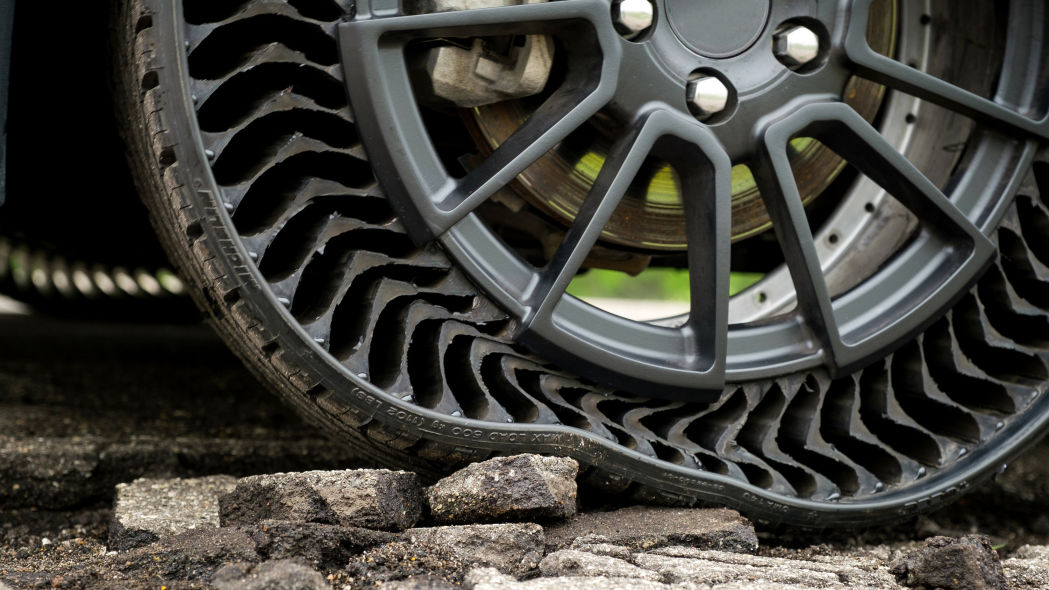 Look Ma, no air! Checking out Michelin's futuristic Uptis tires