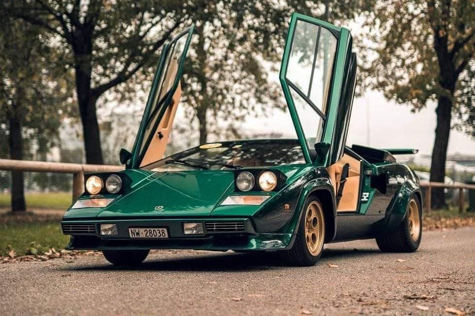Verde Pino Lamborghini Countach with Gold Wheels Shows Immaculate Spec