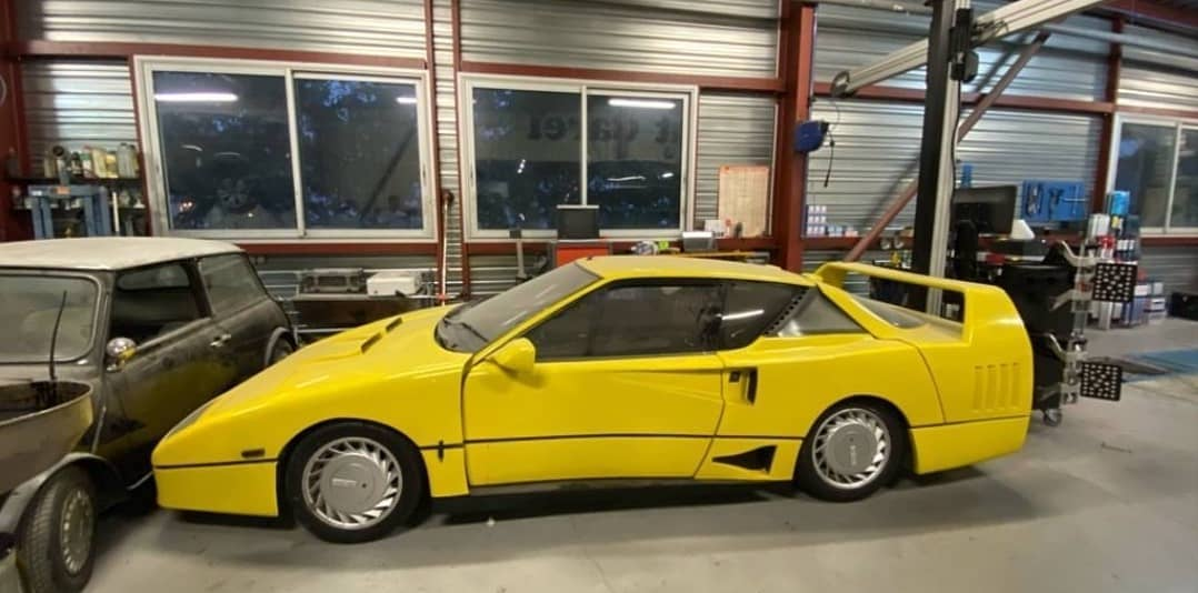 Fake Ferrari F40 Is Actually a Renault Alpine GTA, Has The Big Wing