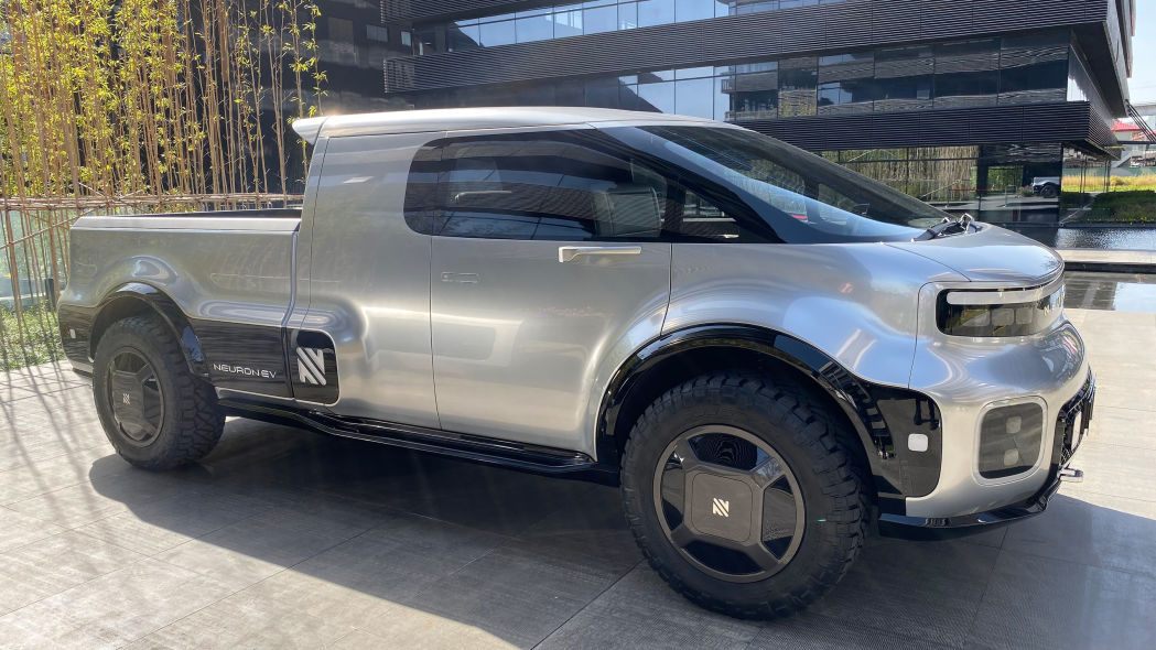 California-based Neuron EV shows T.One electric pickup in China