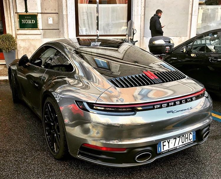 Chrome 2020 Porsche 911 Looks Like a Giant Scale Model