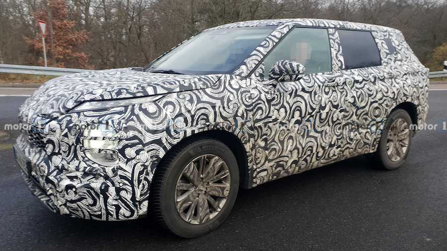 Mitsubishi Outlander Spied Showing Potentially Polarizing Styling
