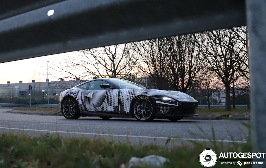First Ferrari Roma Spotted in Traffic, Looks Gorgeous Even in Disguise