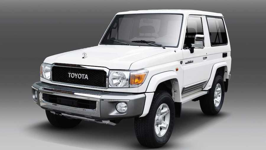 Toyota Still Selling New Land Cruiser 70 And Fj Cruiser In UAE