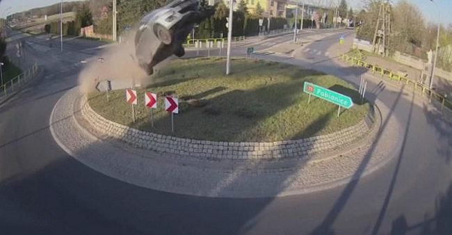 Slamming Into a Roundabout at High Speed Is How You Make a Suzuki Swift Fly