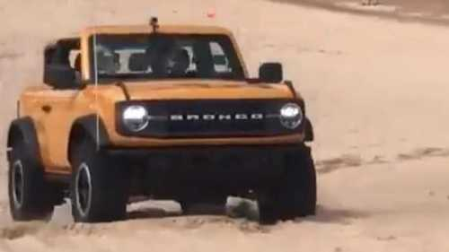 Watch The 2021 Ford Bronco Have Fun Dispatching Sand Dunes