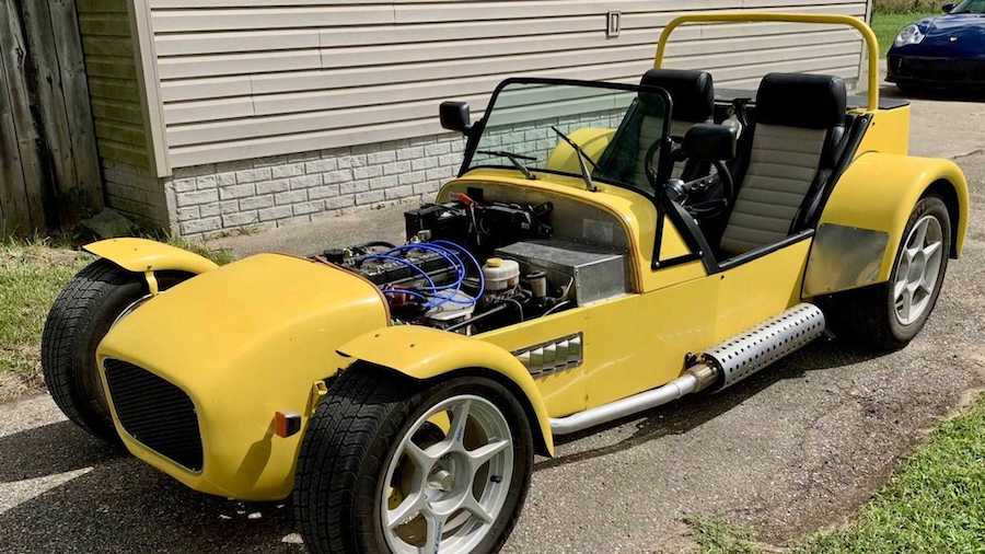 This Lotus-y Sports Car Is Actually A 1985 Toyota Corolla