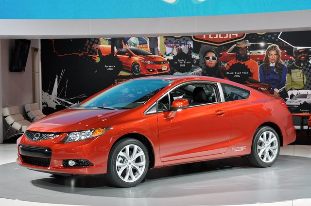 2012 civic. Honda brings entire 2012 Civic