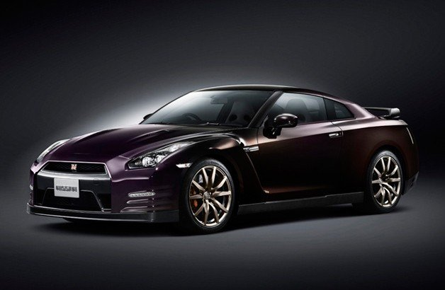 Nissan Announces Limited-Edition 2014 GT-R in Midnight Opal