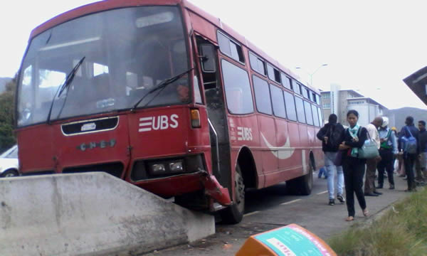 Accident de Bus à Pailles