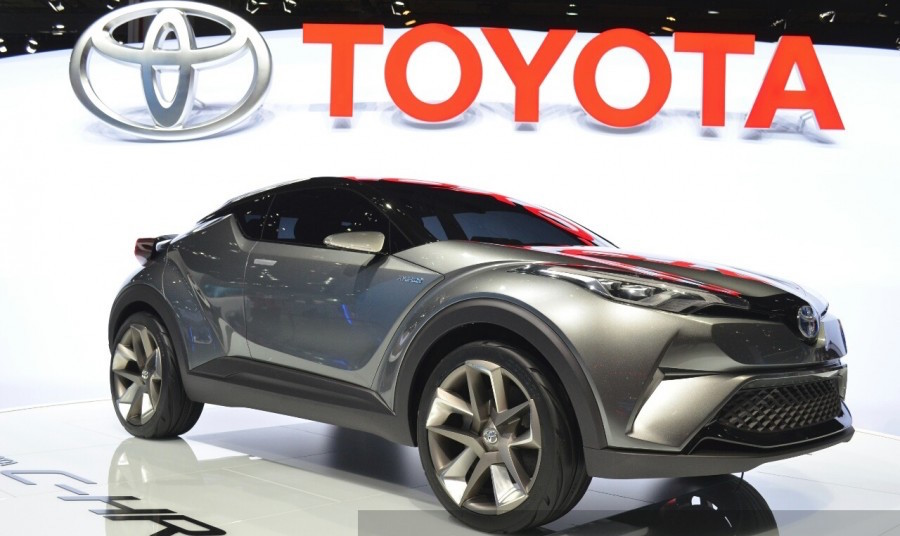 Production-Spec Toyota C-HR Compact SUV to Debut at Detroit Motor Show
