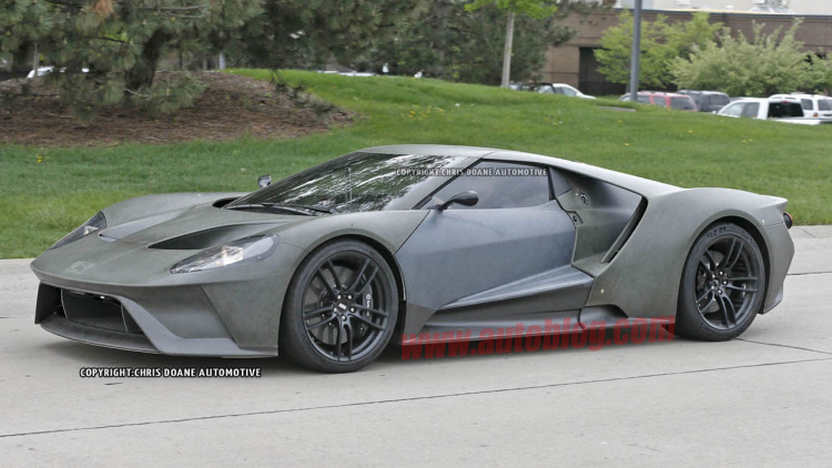 The Ford GT supercar is finally going outside to play, and it has been ...
