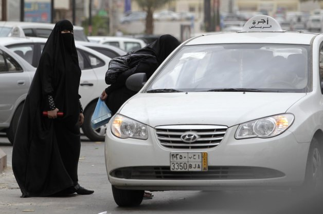 Saudi Cleric Under Fire After Saying Women Risk Hurting Ovaries If They Drive