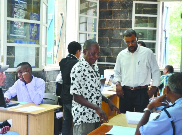 Distribution Driving Licence Counterpart Extended until March 28