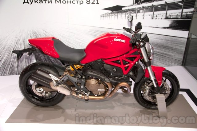 Ducati Monster 1200 & Diavel Carbon Showcased in Moscow