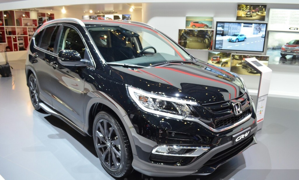 Honda CR-V Black Edition Displayed at Geneva Motor Show 2016