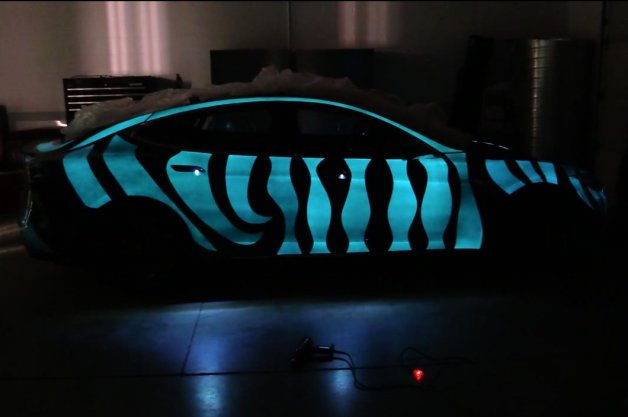 Custom Tesla Model S Features Incredible Light-Up Paint