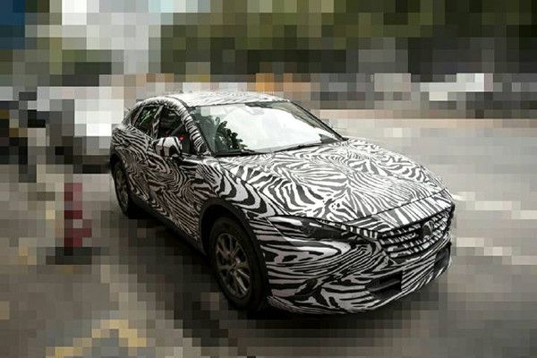 Mazda CX-4 spy shots