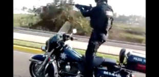 Cops in Mexico Show Gun-Wielding, Motorcycle-Riding Skills