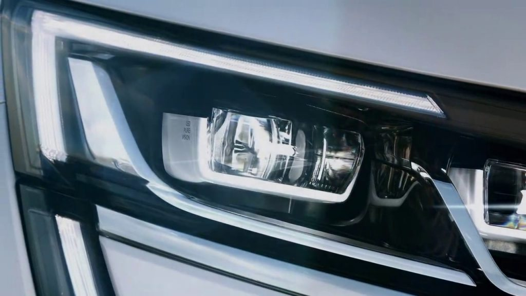 Renault Maxthon SUV's First Teaser Released