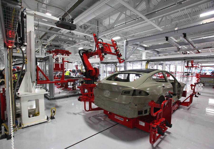 Tesla Model X Production Line Looks Like a Car Factory